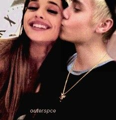 12944bce42495 I hate justin but I don t know y they both look cute together ( love ARI my  love). Syeda Maha · Ariana grande