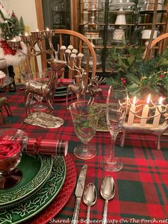 The Last Christmas Table Setting of the Season – Between Naps on the Porch Christmas Tabletop, Christmas Table Settings, Christmas Tablescapes, Beautiful Table Settings, Last Christmas, Place Settings, Beautiful Roses, Candle Holders, Seasons