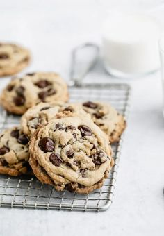 Classic Chocolate Chip Cookies & Five Tips for Perfect Cookies Every Time   Browned Butter Blondie   A thick and chewy, melt in your mouth delicious cookie that requires only basic ingredients. A tried and true classic chocolate chip cookie recipe that every baker needs in their back pocket. Tolle Desserts, Köstliche Desserts, Great Desserts, Dessert Recipes, Chocolate Chip Cookies, Hot Chocolate Fudge, Delicious Chocolate, Chocolate Chocolate, Delicious Food