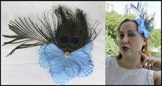 Flor Azul com Plumas de Pavão  Preço promocional de lançamento, válido até 20/10. De R$ 32 por R$ 25. Corre lá! http://www.elo7.com.br/flor-azul-com-plumas-de-pavao/dp/46D762