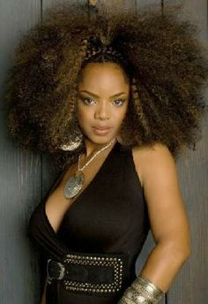 Homegirl rocked this hairdo and her beautiful vocals in concert this month! #ChenePark -Leela James