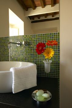 The suite's bathroom. Elegant and refined. Tenuta san Pietro hotel in Lucca, Tuscany.
