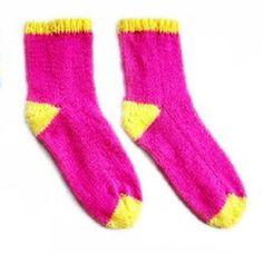 Nejjednodušší ponožky | KLUB RUČNÍHO PLETENÍ -víc než vzory a návody pro vaše šikovné jehlice Socks, Fashion, Stockings, Moda, Fashion Styles, Sock, Fashion Illustrations, Boot Socks, Hosiery