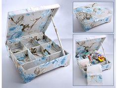 Caixa com estampa floral para o kit toalette