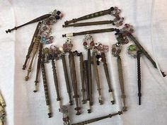Antique-wood-lace-bobbins-x-20-many-with-spangles