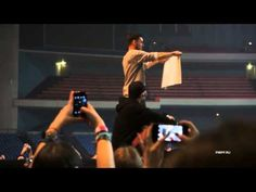 Shannon Leto and the banner. Love story. - YouTube