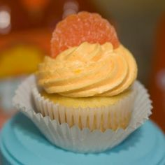 Easy Fresh Orange Cupcakes with Orange Butter Cream Frosting