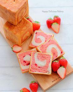 春のパン祭り〜〜٩꒰。•◡•。꒱۶ いちごのパウダーを使ったピンクの生地と粒ジャムでクルクルパンのミニ角食٩꒰ ๑′◡͐`꒱♡ カットするまでときどきのパン 甘くていちごのいい香り〜〜(´∀`艸)♡ レシピはcottaさんにありますよ〜〜٩꒰ ๑′◡͐`꒱♡ 良かったらご覧くださいね(´∀`艸)♡ . . . #手作りパン#いちごパン#粒ジャム#春のパンまつり#ミニ角食#プルマン#あいりおーパン#コッタ#クッキングラム #クッキングラムアンバサダー#linstagram #locari #igersjp #instafood #instagramjapan #kurashiru #kurashirufood #おやつ#デリスタグラマー#キナリノ#lin_stagrammer#おうちごはん#デリミア#delimia#うきうきスプリング#igersjp #日本が元気になるご飯#ワンプレート#ワンプレートごはん