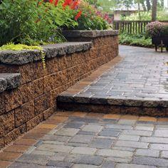 Two-tone retaining wall