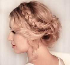 When you appear the prom, it is absolutely all-important to get a admirable hairstyle. With this post, you don't charge to booty a lot of time to anticipate of a nice hairstyle. Here, we accept angled up 20 admirable hairstyles for you to get inspired. Most of them are absolutely simple to try. If you …