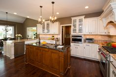 Powell, Ohio kitchen remodel designed by Monica Miller, CKD, CBD, CR of J.S. Brown & Co.  Photography by Todd Yarrington,