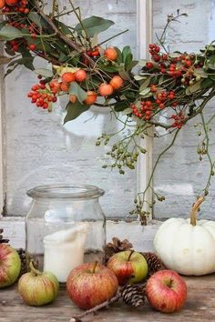 Legende Andrella liebt Herzen Legende Andrella liebt Herzen The post Legende Andrella liebt Herzen appeared first on Soon Cobb. Thanksgiving Decorations, Seasonal Decor, Deco Champetre, Autumn Decorating, Autumn Cozy, Deco Floral, Autumn Activities, Decoration Table, Fall Home Decor