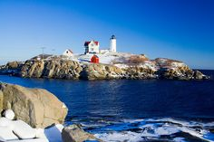Nubble Lighthouse and Snow by C0N6R355, via Flickr