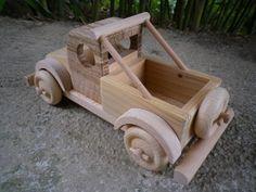Jouet en bois de type pick up ou camionette