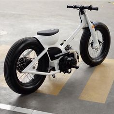 68 Ideas For Electric Motorcycle Concept Autos Moto Custom, Custom Moped, Custom Cars, Honda Motorbikes, Motos Honda, Miniatur Motor, Vintage Honda Motorcycles, E Skate, Tracker Motorcycle
