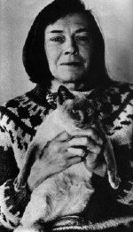 almost famous cats Celebrities With Cats, Celebs, Patricia Highsmith, Blurry Pictures, Two Faces, Cat People, Vintage Cat, Siamese Cats, Cat Art