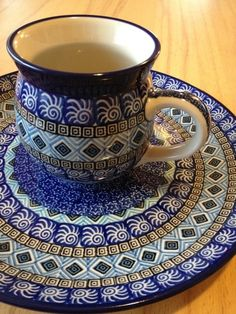 The profusion of color used with the Polish pottery is candy for the eyes. Pottery Mugs, Ceramic Pottery, Pottery Art, Polish Folk Art, Polish Recipes, Polish Pottery, Hand Painted Ceramics, Ceramic Clay, Delft