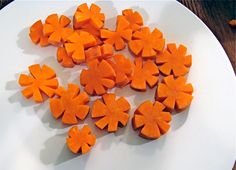 Carrot Flowers...for that special dish or use to decorate a plain veggie tray!!