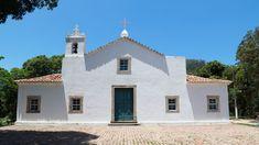 Capela de São Francisco Xavier, no saco da Charita, na antiga fazenda de gado, pertencente aos Jesuítas.