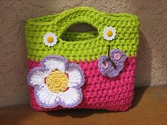 Crochet Bag / Purse with Large Flower and Butterfly por EvasStudio