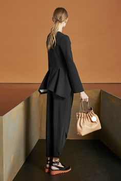 Stella McCartney - Pre-Fall 2015 - Look 16 of 38?url=http://www.style.com/slideshows/fashion-shows/pre-fall-2015/stella-mccartney/collection/16