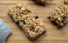 Chewy granola bars and other healthy homemade ideas to pack in lunches.