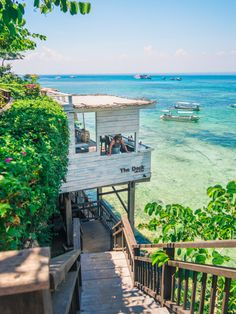 The Deck Cafe & Bar @ Nusa Lembongan - Indonesia