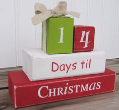 Christmas countdown blocks, love the two different size blocks representing presents.