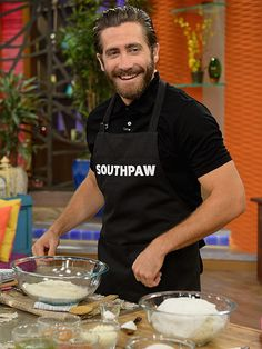 Star Tracks: Monday, July 20, 2015   NOW WE'RE COOKING    Jake Gyllenhaal cooks up something delicious while promoting his new film, Southpaw, on Univision's Despierta America in Miami, Florida, on Thursday.