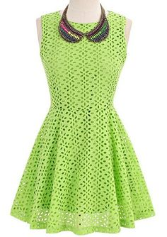 yet cool and faboulous nice dress made from trotec laser machine! Trotec Laser, Love Fashion, Womens Fashion, Spring Fashion, Kinds Of Clothes, Plus Size Womens Clothing, Latest Dress, Green Dress, Dresses Online