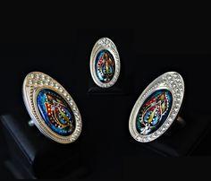 - Ring - Breite 3,9/2,2 cm - Material 999er Silber - Email, Blattsilber - Steinart Zirkon - graviert - Größe 17,5