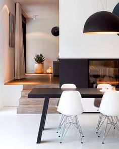 Metal Chair  #decohome #interiorismo #deco #leonesp #hosteleria #athome #lamps #eames #chairs #interiordesign. #hogar Mobiliario de Estilo Vintage e Industrial Singular Market. Entra en nuestra e-shop y echa un vistazo a todo lo que podemos ofrecerte!