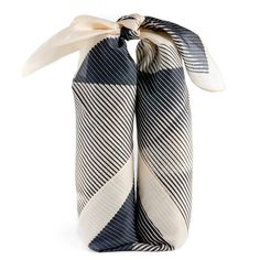 Being a gift wrapper, I love these ideas !!