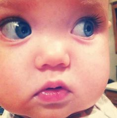 Find images and videos about cute, eyes and baby on We Heart It - the app to get lost in what you love. Pretty Baby, Baby Love, Beautiful Children, Beautiful Babies, Cute Babies, Baby Kids, Baby Baby, Cute Kids Pics, Kid Pics
