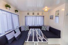 Mobil Home de alquiler en el camping situado en la Costa Dorada. Toddler Bed, Navy, Furniture, Home Decor, Single Beds, Camper Van, Photo Galleries, Child Bed, Hale Navy