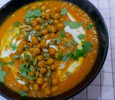 Chana Masala, Nom Nom, Curry, Veggies, Ethnic Recipes, Chili, Soups, Food, Cilantro