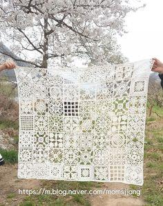 True or False? pattern by Hiroko Hanai Crochet Mandala Pattern, Granny Square Crochet Pattern, Crochet Flower Patterns, Crochet Squares, Crochet Granny, Filet Crochet, Crochet Flowers, Knit Crochet, Crochet Bedspread