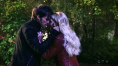 """Sorry if I'm crushing all of your hearts, but I just can't seem to stop!! Killian Jones and Emma Swan - 5 * 11 """"Swan Song"""" #CaptainSwan"""