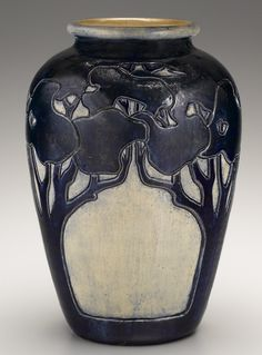 """Oak Tree"" vase made by Newcomb Pottery, around 1900"