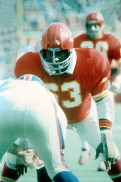67411ec9b Willie Lanier - KC Chiefs - MLB ( 53) Had his granddaughters in class