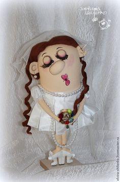 Купить или заказать Жених и Невеста в интернет-магазине на Ярмарке Мастеров. Оригинальный свадебный подарок молодоженам - Авторские куклы Жених и Невеста. Очень милая и романтичная парочка. Выполнены в юмористической манере. Люди, любящие оригинальные подарки и обладающие чувством юмора, обязательно оценят! Отличный подарок как на свадьбу, так и на годовщину свадьбы, например круглую дату 10 (20) лет. Эти куклы будут не только напоминать о радостном событии, но и принесут в дом хорошее…