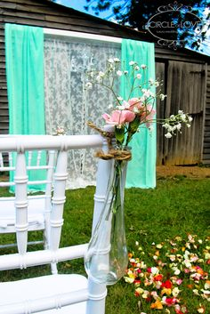 Vintage Style Wedding with Lace and Mint Overlay at Bella Vista Farm, Sydney. www.circleofloveweddings.com.au