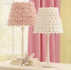 DIY Pottery Barn Flower Lamp Shades - Turning ugly old garage sale lamps in to adorable works of decorating genius? Pottery Barn Kids, Decoration Shabby, Decorations, Flower Lamp, Diy Flower, Craft Flowers, Fake Flowers Decor, Flower Room, Kids Lamps