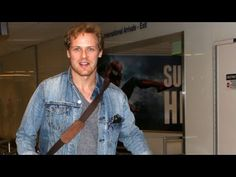 Outlander Star Sam Heughan Greets Fans At LAX - YouTube