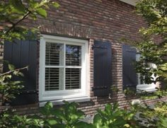 1000 Images About Shutters En Luiken On Pinterest Shutters Ramen And Indoor Window Shutters