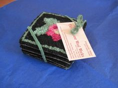 Parris House Wool Works: Finishing Hooked Coasters - a No Sew Method