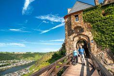 Moselsteig an der Burg Thurant.
