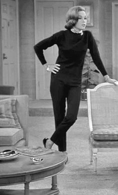 The Dick Van Dyke Show Dick Van Dyke, Mary Tyler Moore Costume Design: Harald Johnson, Marge Makau I mean, have you seen th. Fashion Tv, 1960s Fashion, Fashion History, Vintage Fashion, Vintage Style, Classic Fashion, Vintage Beauty, Vintage Dress, Fall Fashion