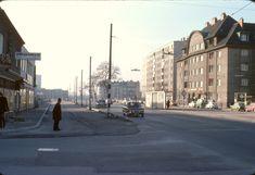 026R21251176 Wagramerstraße - Steigenteschgasse Blick stadteinwärts 25.11.1976.jpg