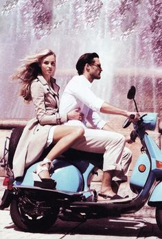 Buy a Vespa! (Discovering Rome on a Vespa) Motos Vespa, Vespa Scooters, Motor Scooters, Vespa Girl, Scooter Girl, Lambretta, Enjoy The Ride, Vogue Australia, Italian Style